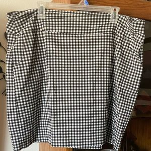 EUC Women's Checkered Skort